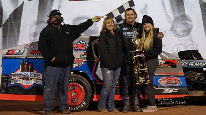 Patient Black cashes in, collects checkers on record night at IMCA.TV Winter Nationals